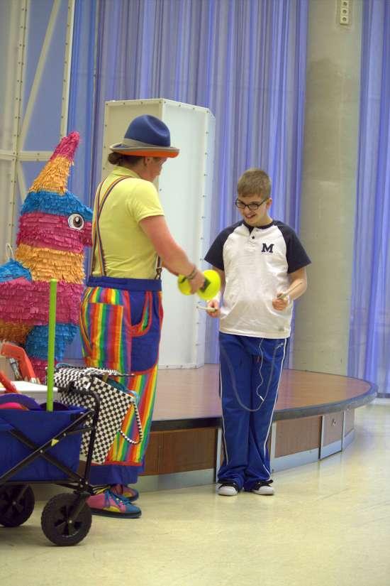 Clown Kiko in het Radbout Ziekenhuis