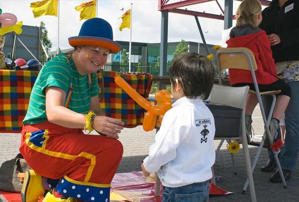 Clown Kiko open dag - familiedag bij DHL in Nijmegen