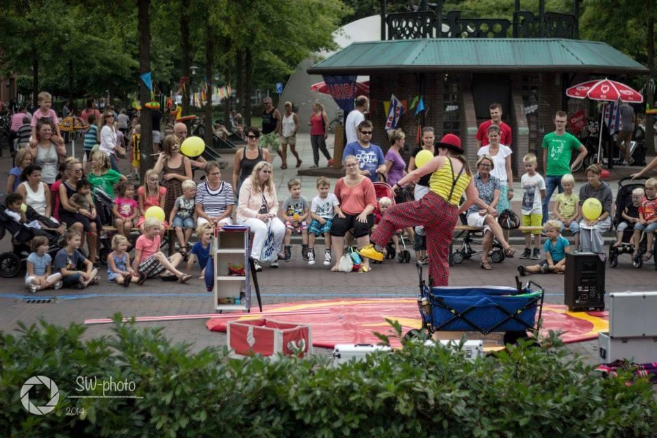 Jongleur Kiko - straat(jongleer)show Festival Op 'e Sjouwer in Joure