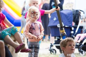 Kinderen bij Kiko's Kindertheater - Familievoorstelling 'in de soep' - op foodtruck festival het Hoofdgerecht in Amsterdam