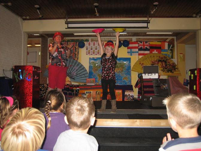 Kiko's Kinderthetaer voorstelling 'rare snuiters, vreemde vogels & een koffer vol ontmoetingen'
