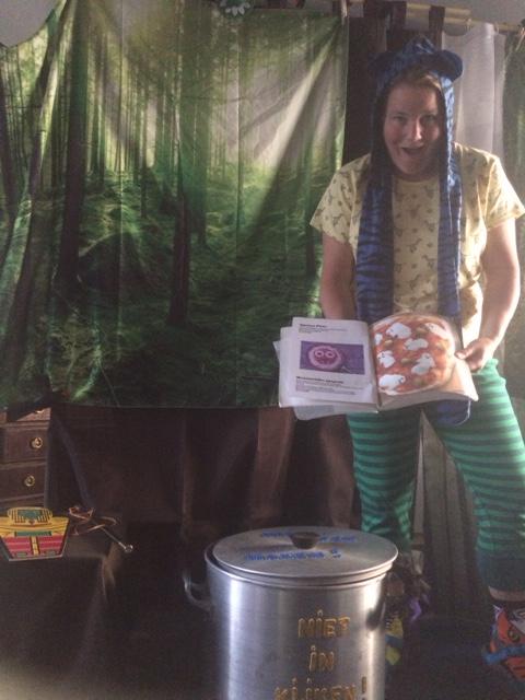 Circus Kiko -Kindertheater Kiko - Kindervoorstelling Het Griezelbos -toverboek - gruwelijk enge gerechten kookboek