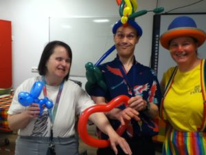 Clown Kiko -speciaal circus voor speciale mensen - ballonnenclown