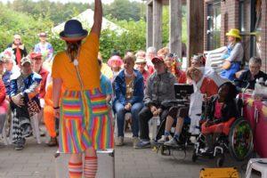 """Clown Kiko voorstelling """"Clown Kiko's jongler- en goochelshow - speciaal circus voor speciale mensen"""