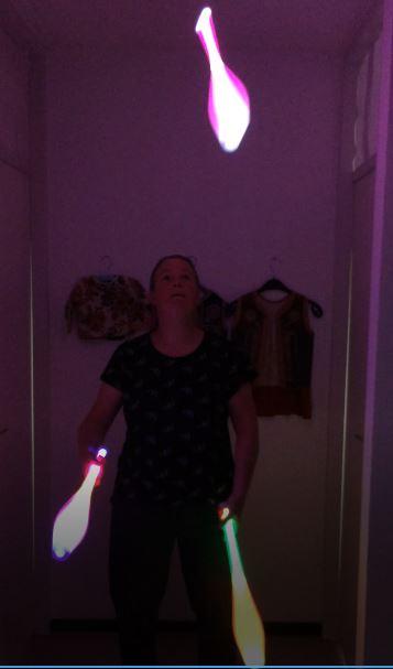 kiko jongleren met LED licht