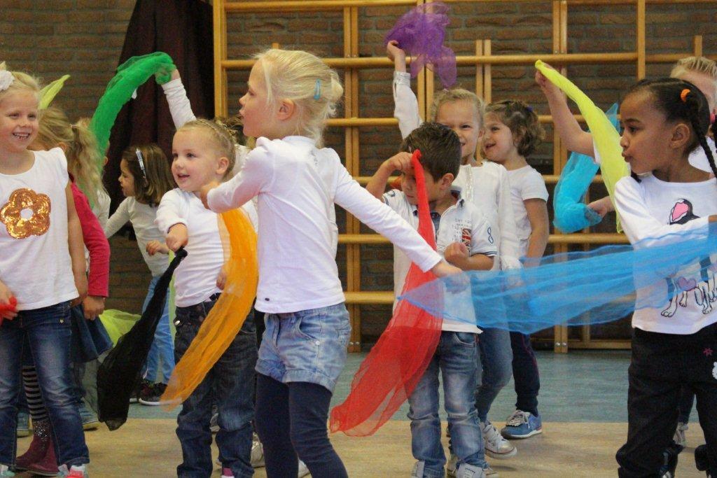 circus kiko workshops dag op school sjaaltjes jongleren