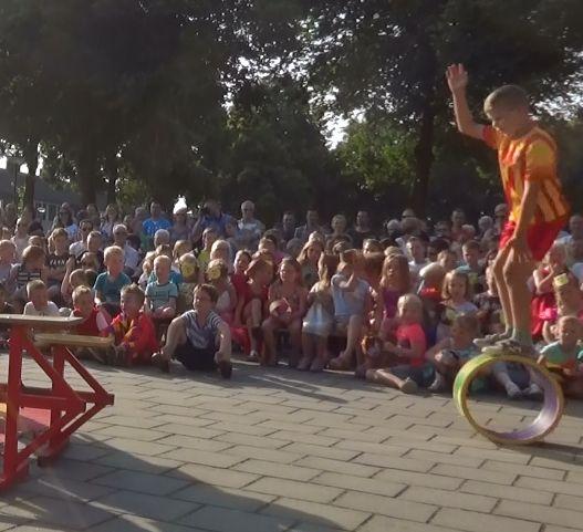 circus kiko - circusdag met eindshow door de kinderen - ton loop act - circus op school
